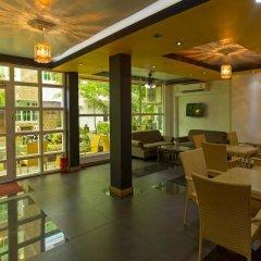 Отель Travel Lodge Maldives Мале интерьер отеля фото 2