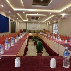 Отель Crown Himalayas Непал, Покхара - отзывы, цены и фото номеров - забронировать отель Crown Himalayas онлайн помещение для мероприятий фото 2