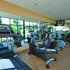 Отель Ramada by Wyndham Phuket Southsea фитнесс-зал фото 2
