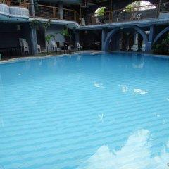 Hotel California бассейн