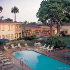 Отель Pacifica Suites бассейн