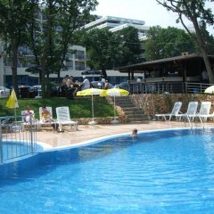 Отель Aquamarine Apartments Болгария, Золотые пески - отзывы, цены и фото номеров - забронировать отель Aquamarine Apartments онлайн бассейн фото 2