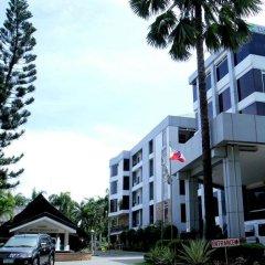 Отель The Ritz Hotel at Garden Oases Филиппины, Давао - отзывы, цены и фото номеров - забронировать отель The Ritz Hotel at Garden Oases онлайн парковка