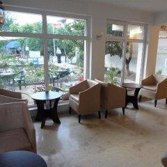 Отель Family Hotel Asai Болгария, Равда - отзывы, цены и фото номеров - забронировать отель Family Hotel Asai онлайн интерьер отеля