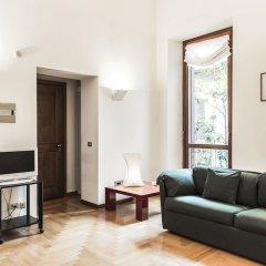 Апартаменты San Maurilio Apartments Милан комната для гостей фото 5