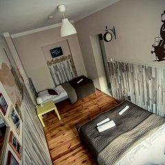 Отель Explorer Hostel Польша, Познань - отзывы, цены и фото номеров - забронировать отель Explorer Hostel онлайн фитнесс-зал