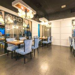 Saraya Corniche Hotel гостиничный бар
