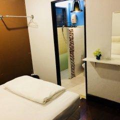 Отель FIRST 1 Boutique House at Sukhumvit 1 удобства в номере фото 2