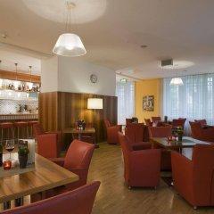 Отель NH Wien Belvedere гостиничный бар