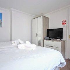 Апартаменты Celebrity Apartments Brighton Queens комната для гостей фото 5