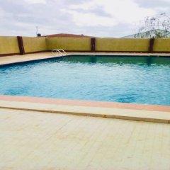 Отель Momak 4 Hotel & Suites Нигерия, Ибадан - отзывы, цены и фото номеров - забронировать отель Momak 4 Hotel & Suites онлайн бассейн