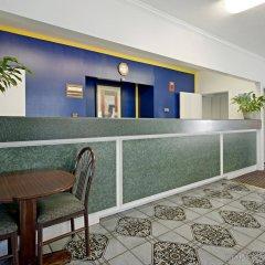 Отель Americas Best Value Inn-Marianna США, Марианна - отзывы, цены и фото номеров - забронировать отель Americas Best Value Inn-Marianna онлайн интерьер отеля