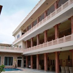 Suryaa Villa - A City Centre Hotel парковка