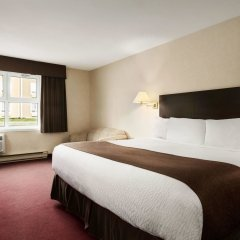 Отель Days Inn by Wyndham Trois-Rivieres комната для гостей фото 5