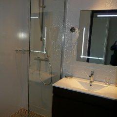 Отель Albert 1'er Hotel Nice, France Франция, Ницца - 9 отзывов об отеле, цены и фото номеров - забронировать отель Albert 1'er Hotel Nice, France онлайн ванная