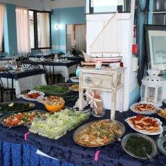 Отель Brenta Италия, Римини - 1 отзыв об отеле, цены и фото номеров - забронировать отель Brenta онлайн питание фото 2