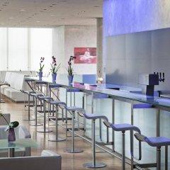 Отель INNSIDE by Meliá München Parkstadt Schwabing гостиничный бар