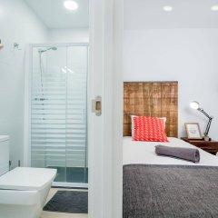 Отель Off Beat Guesthouse Испания, Сан-Себастьян - отзывы, цены и фото номеров - забронировать отель Off Beat Guesthouse онлайн ванная