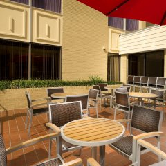 Отель The American Inn of Bethesda балкон