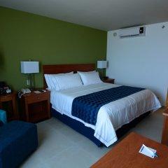 Отель Holiday Inn Express Cabo San Lucas Кабо-Сан-Лукас сейф в номере