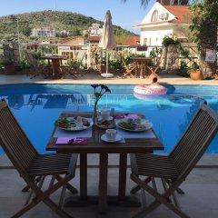 Отель Kalkan Park Otel бассейн
