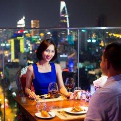 Отель Pullman Saigon Centre гостиничный бар