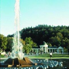 Отель Flora Чехия, Марианске-Лазне - отзывы, цены и фото номеров - забронировать отель Flora онлайн приотельная территория фото 2