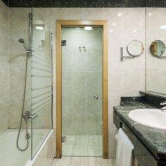 Отель ILUNION Calas De Conil Испания, Кониль-де-ла-Фронтера - отзывы, цены и фото номеров - забронировать отель ILUNION Calas De Conil онлайн ванная