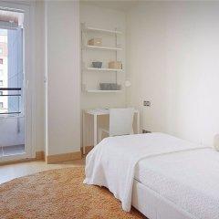 Отель Hondarribi 63C Apartment by FeelFree Rentals Испания, Фуэнтеррабиа - отзывы, цены и фото номеров - забронировать отель Hondarribi 63C Apartment by FeelFree Rentals онлайн комната для гостей