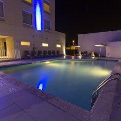 Отель Holiday Inn Express Guadalajara Aeropuerto бассейн фото 2
