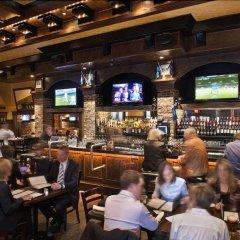 Отель The St. Regis Hotel Канада, Ванкувер - отзывы, цены и фото номеров - забронировать отель The St. Regis Hotel онлайн гостиничный бар