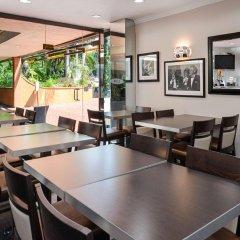 Отель Best Western Hollywood Plaza Inn США, Лос-Анджелес - отзывы, цены и фото номеров - забронировать отель Best Western Hollywood Plaza Inn онлайн питание