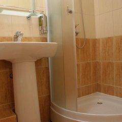 Гостиница Korolevsky Dvor в Гусеве отзывы, цены и фото номеров - забронировать гостиницу Korolevsky Dvor онлайн Гусев ванная
