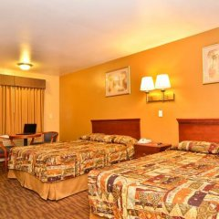Отель Americas Best Value Inn - Alvarado Street Лос-Анджелес комната для гостей фото 4