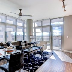Отель Global Luxury Suites at Woodmont Triangle South