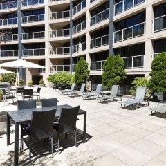 Отель Pinnacle Hotel Harbourfront Канада, Ванкувер - отзывы, цены и фото номеров - забронировать отель Pinnacle Hotel Harbourfront онлайн бассейн фото 3