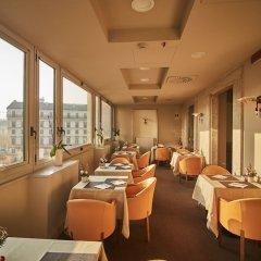 Отель IH Hotels Milano Ambasciatori гостиничный бар