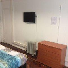Отель Tagus Palace Hostal Португалия, Лиссабон - отзывы, цены и фото номеров - забронировать отель Tagus Palace Hostal онлайн удобства в номере фото 2