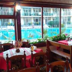 Отель Sunny Holiday Болгария, Солнечный берег - 1 отзыв об отеле, цены и фото номеров - забронировать отель Sunny Holiday онлайн интерьер отеля фото 3