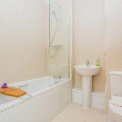Отель Finsbury Park 2 Bedroom Flat On The Canal Великобритания, Лондон - отзывы, цены и фото номеров - забронировать отель Finsbury Park 2 Bedroom Flat On The Canal онлайн ванная