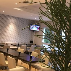 Отель ibis Nice Palais des Congrès Франция, Ницца - 1 отзыв об отеле, цены и фото номеров - забронировать отель ibis Nice Palais des Congrès онлайн питание фото 2