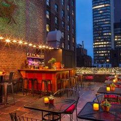 The Roger Smith Hotel гостиничный бар