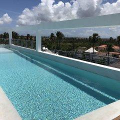 Отель Ducassi Suites Rooftop Pool Beach Club & Spa бассейн фото 2