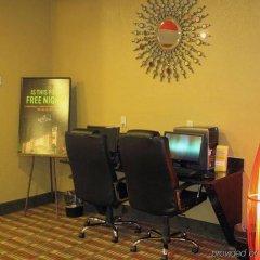 Отель La Quinta Inn & Suites Columbus West - Hilliard США, Колумбус - 1 отзыв об отеле, цены и фото номеров - забронировать отель La Quinta Inn & Suites Columbus West - Hilliard онлайн банкомат