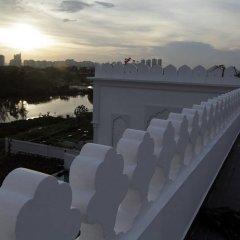 Отель Chloe Gallery балкон