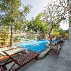 Отель Bonsai Homestay Хойан бассейн фото 3