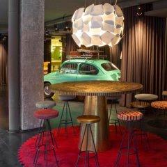 Отель Chic & Basic Ramblas Барселона развлечения