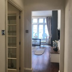 Апартаменты Suitely Trafalgar Square Luxury Apartment Лондон сейф в номере