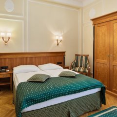 Austria Trend Hotel Astoria сейф в номере