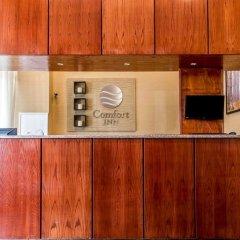 Отель Comfort Inn At LaGuardia Airport США, Нью-Йорк - отзывы, цены и фото номеров - забронировать отель Comfort Inn At LaGuardia Airport онлайн интерьер отеля фото 2
